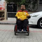 Engelli Oğlu İçin Oturdukları Apartmana Asansör Yaptırdı