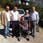 İhtiyaç sahibi vatandaşa akülü tekerlekli sandalye yardımı