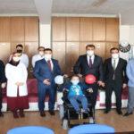 Öğretmenlerinden bedensel engelli öğrenciye akülü tekerlekli sandalye