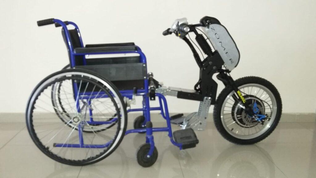 Tekerlekli sandalyeyi akülü scooter' a dönüştürün